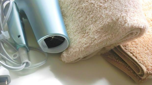 【ウィッグの洗い方かんたん3ステップ】ブラシ・シャンプー・乾燥のコツ